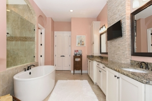 Bathroom Master 1 - Delray Canopy Oaks